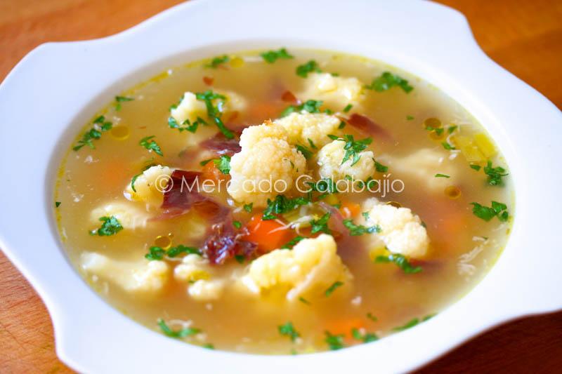 Sopa de coliflor y Jamón Ibérico