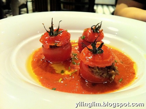 Roasted tomatoes stuffed with mince lamb