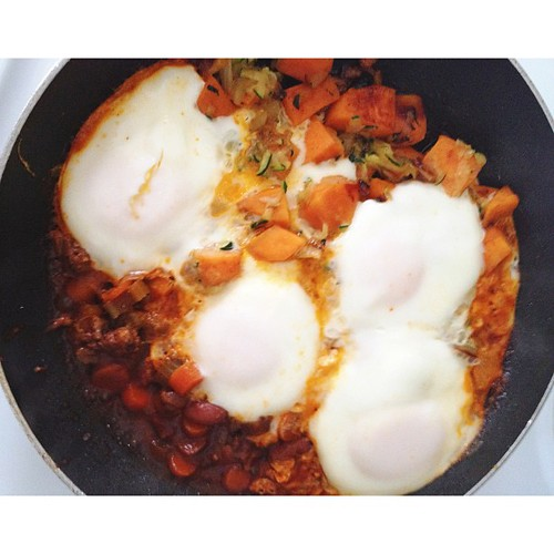 Obviously if I don't post a picture of my #weekend #breakfast everyone will be concerned we're starving up here, right? #paleo sweet potato hash with zucchini, sweet peppers, onions, eggs and leftover chorizo chili with carrots and celery! #glutenfree #da
