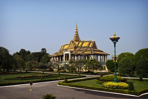 city building architecture buildings garden asian asia cambodia southeastasia cambodian khmer palace phnompenh pavillion royalpalace nationalpalace southeastasian moonlightpavillion