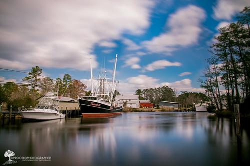 longexposure clouds bay harbor boat nc fishing ship north northcarolina windy nd carolina fleet bayboro d600 pamlico commercialfishing 10stop 10stopnd
