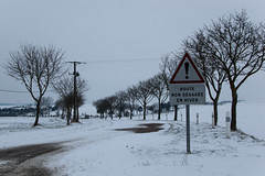 Balade dans la neige - Signalisation - Route non dégagée en hiver