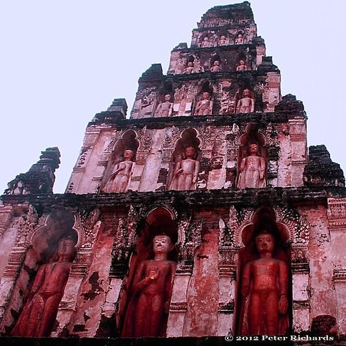 "thailand temple buddhist wat lamphun ประเทศไทย wihan สถูป วิหาร ลำพุน พุทธศาสนิชน ""canoneos350d"" ""efs1855mm"" ""13556is"" พระปรางด์ วัดจามเทวี doilopete ""watchamatewi"" ""1200yearoldchedi"" โบสถ์วัด ""watkukut"""