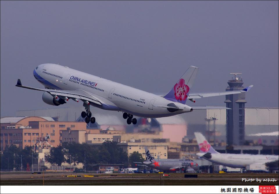 中華航空B-18359客機001