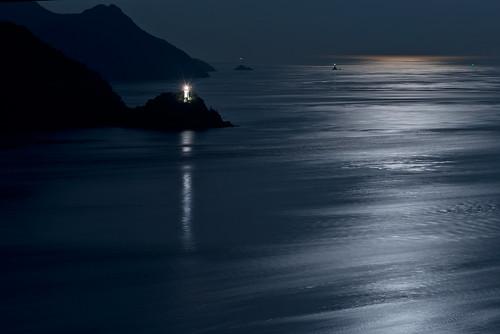 ocean blue winter light sky moon nature beautiful japan night landscape photography nikon 日本 moonlight 70300mm d800 70300 nikoor