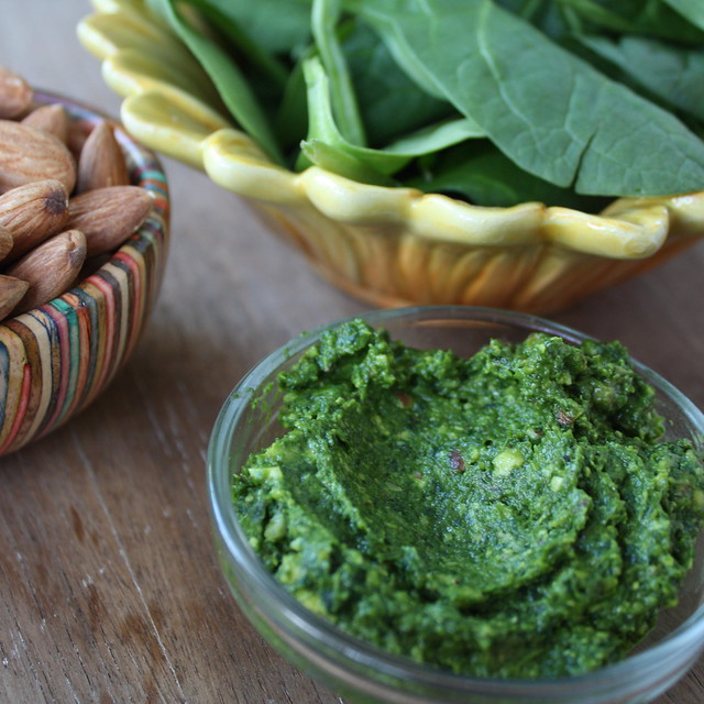 Spinach Almond Pesto (Easy)