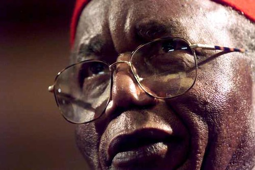 File-photo-of-Achebe-addressing-the-Steve-Biko-memorial-ceremony-in-Cape-Town