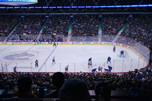 Canucks vs King