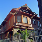 08g 826 S Burlington Ave - Victorian Queen Anne with slight Shingle Style (E)