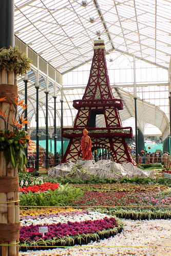 Eiffel Tower & Vivekananda @ Lalbagh Flower Show by omshivaprakash