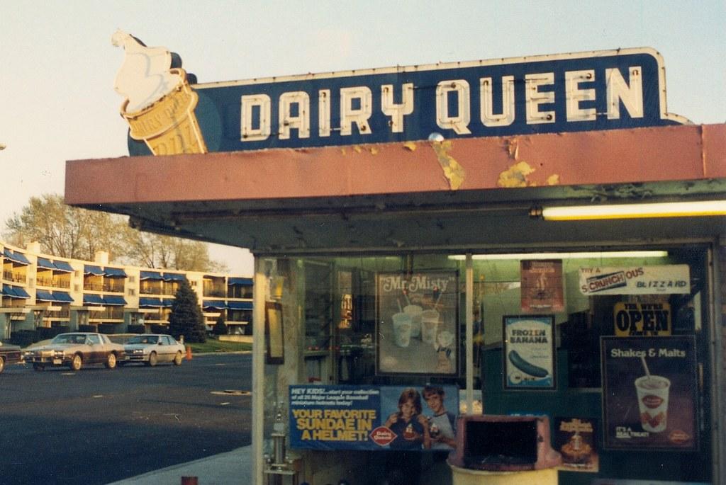 Gone The Old Seasonal Dairy Queen On South Kedzie Avenue Near West 95th Street