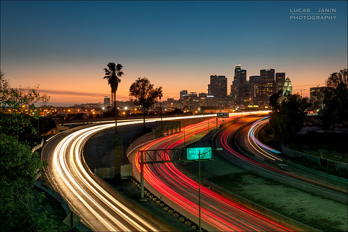 california city longexposure blue light sunset red sky orange usa plant color building tree green plante iso100 losangeles twilight nikon lumière vert palm f16 ciel freeway autoroute nikkor arbre couleur ville palmier lightroom lightstream longueexposition 42mm nikond700 200sec lucasjanin afsnikkor2470mmf28ged lightroom4