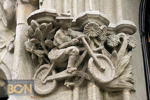 capitel na Casa Macaya, Barcelona
