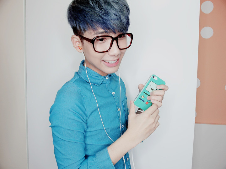 typicalben blue hair iphone  hpb advertorial