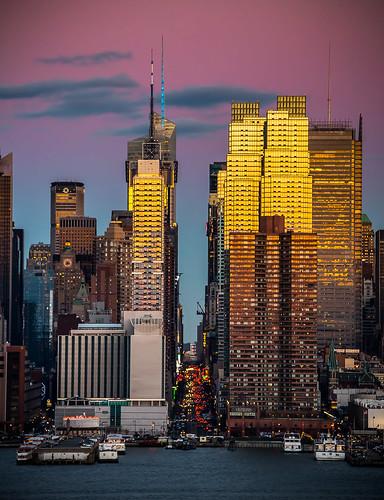 new york city newyorkcity sunset sun newyork building skyscraper photoshop canon dawn twilight view scenic adobe tall tallbuilding newyorkcitysunset cityskyscraper newyorkcityskyscraper