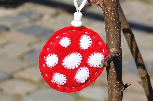 Felt pendant necklace 'mushroom' back