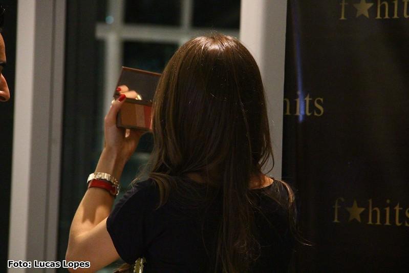 juliana leite encontro makeupbycamila #camilanorio f hits village mall blog camila coelho rio de janeiro retocando a maquiagem