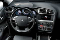 citroen changed to have dials again
