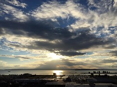 Jesus light and cool clouds. Nice evening after thunderstorms earlier today. Oof. #Everett #sunset #clouds #jesuslight #sunrays #snocotourism #pnw #pnwonderland #portofeverett #everettsunsets