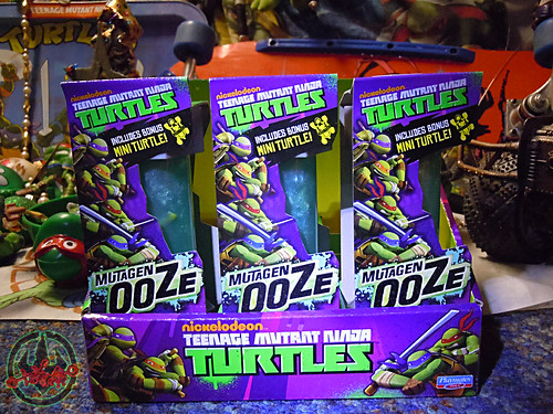 Nickelodeon  TEENAGE MUTANT NINJA TURTLES :: MUTAGEN OOZE ii / .. shelf display case  (( 2013 ))