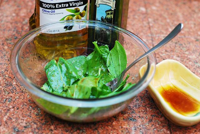 preparing spinach leaves
