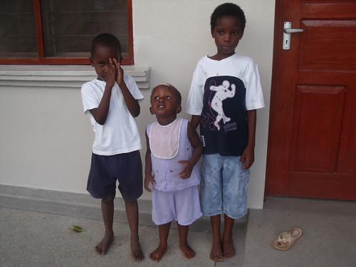 Marvelous,Mkambe & Precious arrive at The GLO  .JPG