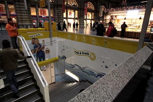 'Rail & Fresh' pay toilet at Frankfurt Hauptbahnhof