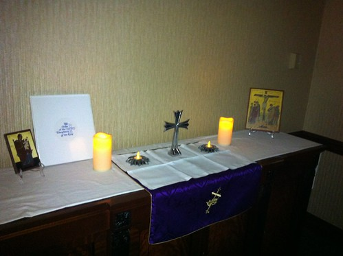 <p>Daughters of the King provided a chapel for some quiet prayer time amidst the activity of convention.</p>