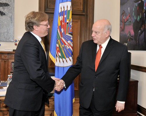 OAS Secretary General Receives Minister of Finance of The Bahamas