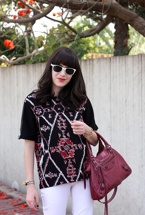 balenciaga bag, sandro top, aztec print, ray ban sunglasses, אפונה בלוג אופנה, בלוג אופנה, תיק בלנסיאגה, רייבאן