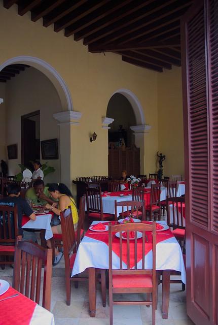 Casa colonial donde radica el restaurant 1800 santa clara for Academy salon professionals santa clara