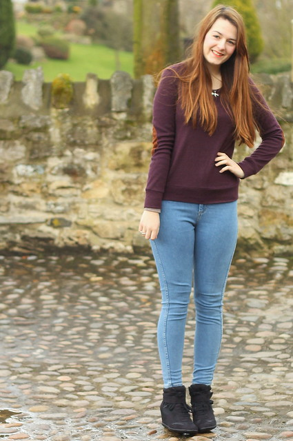 OOTD, outfit of the day, High waisted jeans, sneaker wedges, Glamorous jumper