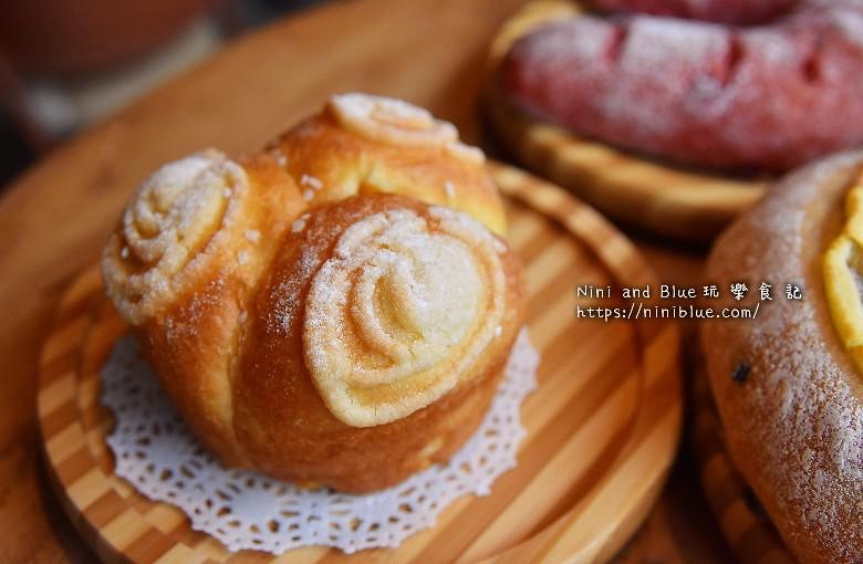 歐客佬咖啡麵包甜點太原路33