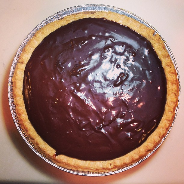 Chocolate Coconut Pudding Pie. #vegan