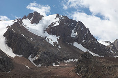 moraine, mountain, snow, mountain range, cirque, summit, geology, ridge, arãªte, fell, wilderness, mountain pass, massif, mountainous landforms,