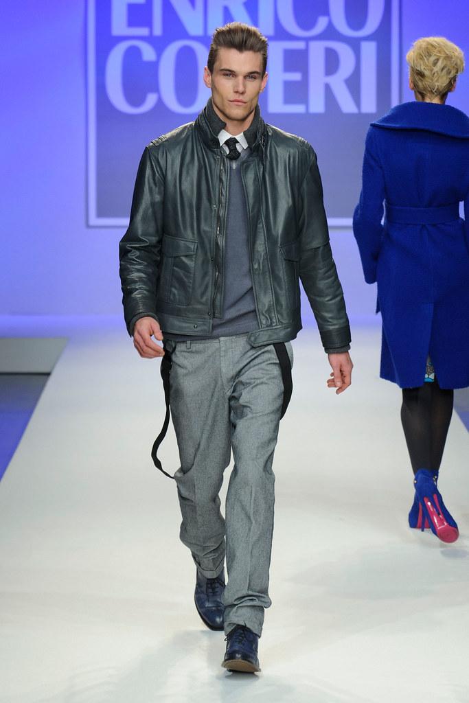 FW13 Milan Enrico Coveri002_Pete Bolton(fashionising.com)