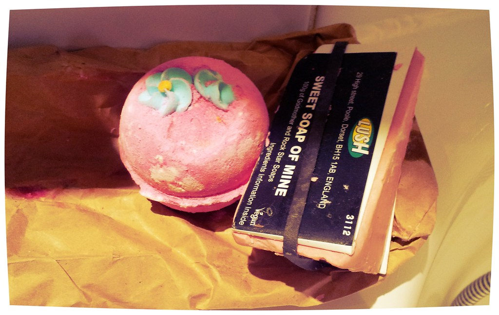 Lush bathbomb and soap