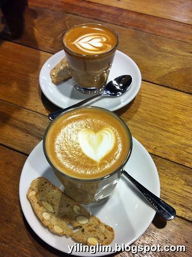 Latte & Piccolo