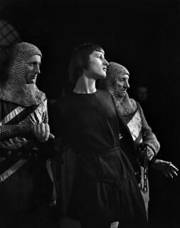 "Ottawa Little Theatre, ""Joan of Arc"" / Ottawa Little Theatre, « Jeanne D'Arc »"