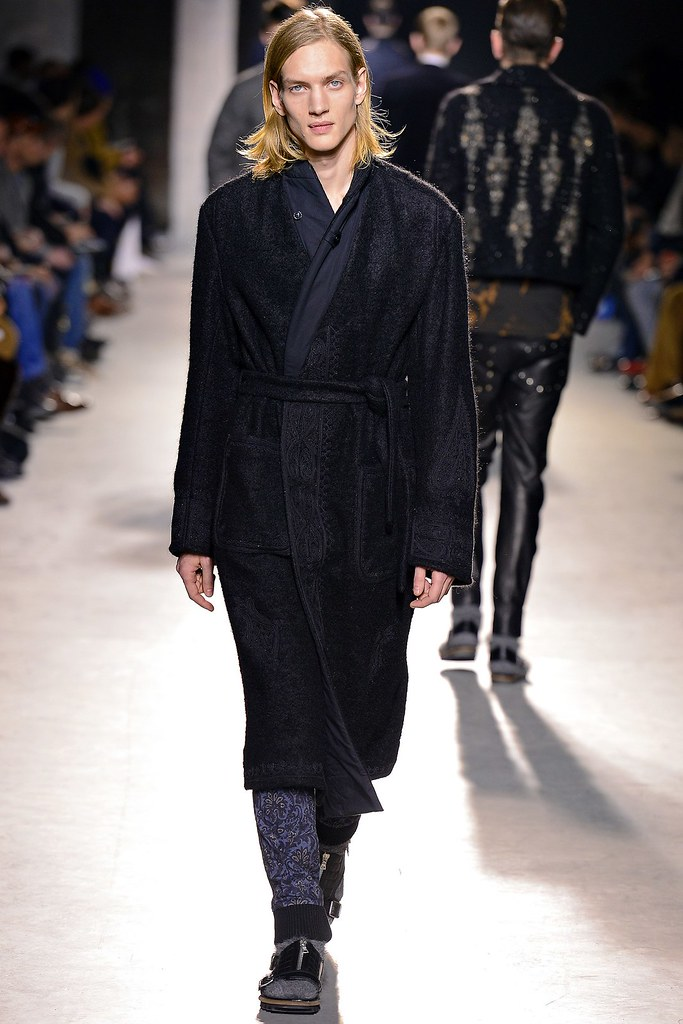 Paul Boche3457_FW13 Paris Dries Van Noten(GQ.com)