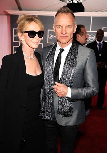 Trudie Styler y Sting. Premios Grammy, versión 55, febrero 10 de 2013, Staples Center, Los Angeles, California, Estados Unidos. Foto cortesía Canal TNT.