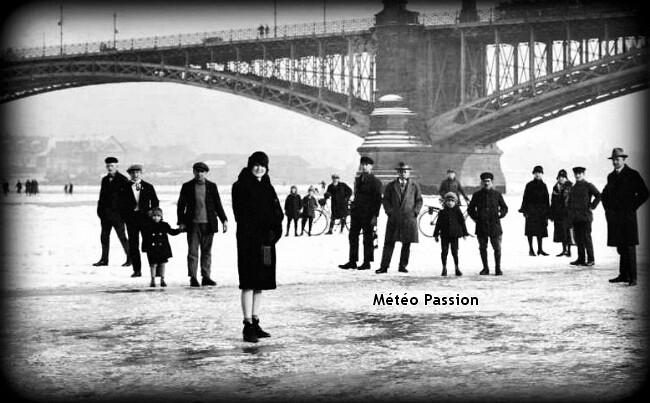 traversée à pied sec du Rhin gelé en Allemagne lors de la vague de froid de février 1929 météopassion