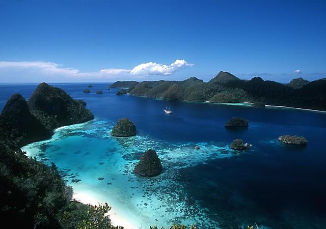 Pemandangan Pulau Karimunjawa Dilihat Dari Atas