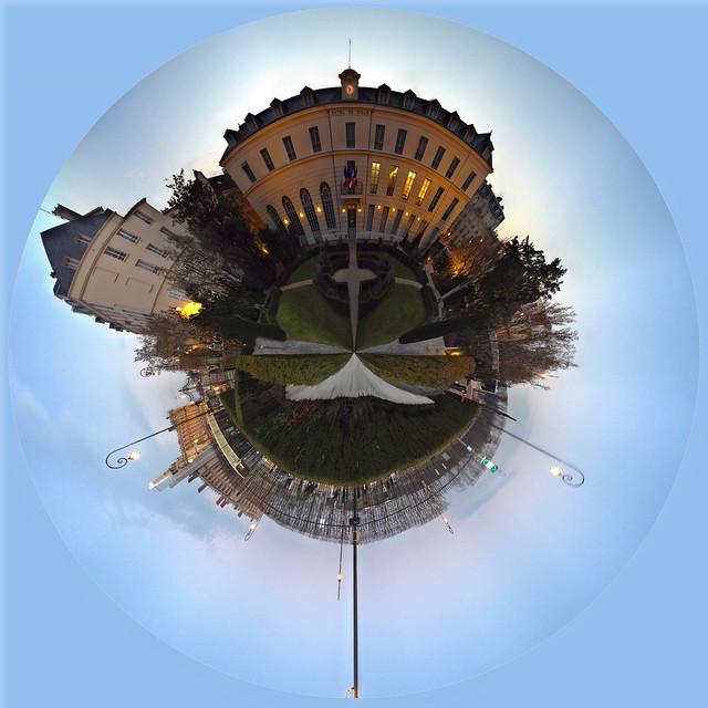Wee planet Hôtel de La Rochefoucauld (Hôtel de Ville) 16 rue de Pontoise Saint-Germain-en-Laye