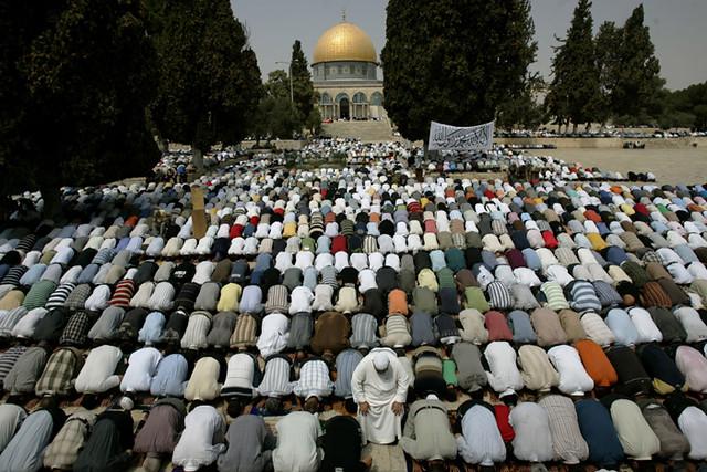 Rasulullah says about Debt Quran the words of Rasulullah