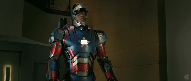 IRON-PATRIOT-IRON_MAN_3_TRAILER2-SCREEBGRAB-2