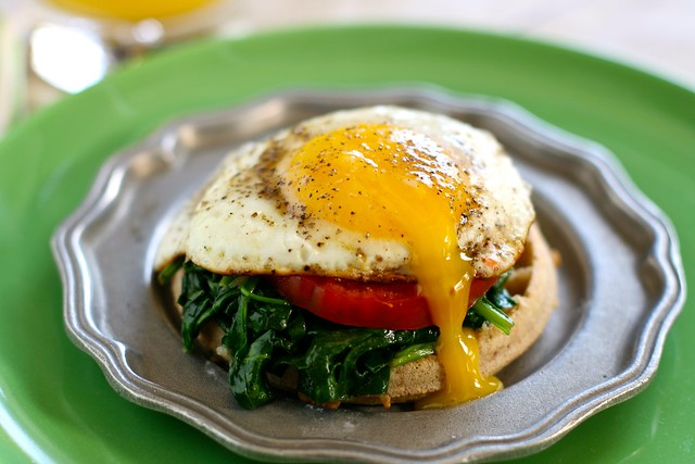 Egg Florentine Over Eggos 001