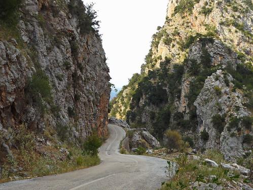 αγαλιανόσ βελωτά βλαχέρνα δρόμοσ βράχια αιτωλοακαρνανία ευρυτανία evritania road narrowroad krikeliotis κρικελιώτησ όχθεσποταμού
