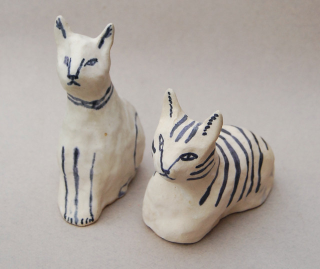 ceramic cat buds