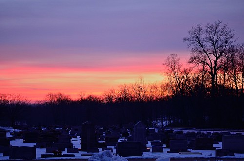ohio snow cemetery grave graveyard sunrise nikon beavercreek 8365 nikond5100 kkfrombb jan2013 365moments2013 08jan2013
